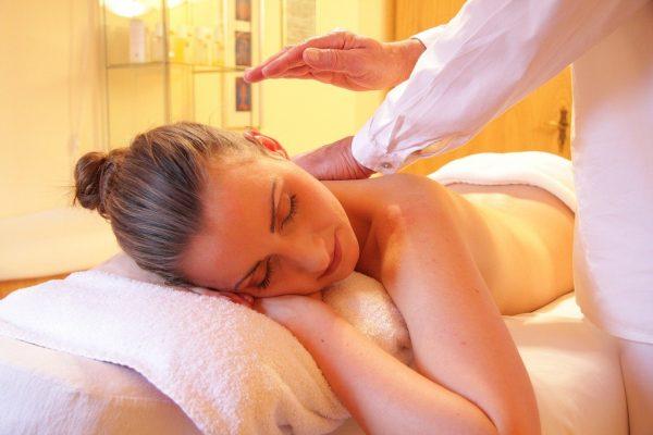 Massage du dos : Les bonnes techniques à suivre